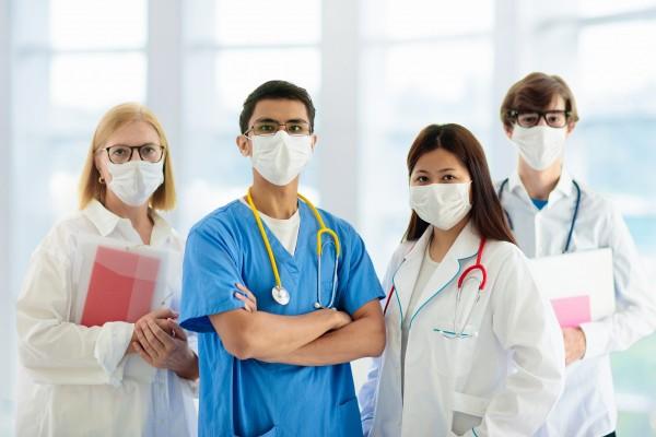 """En quoi le """"port du masque"""" a-t-il modifié les rapports humains dans les soins à l'hôpital ? Pascal FORCIOLI nous apporte son retour d'expérience à l'EPSM de Vendée (2ème partie)."""
